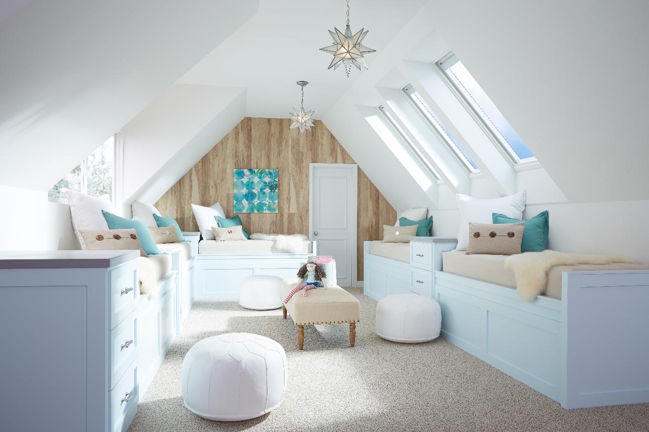 bonus-room-skylights-bay24-blinds-open-2560-working-1